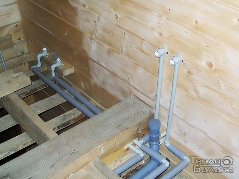 Схема канализации в деревянном доме своими руками